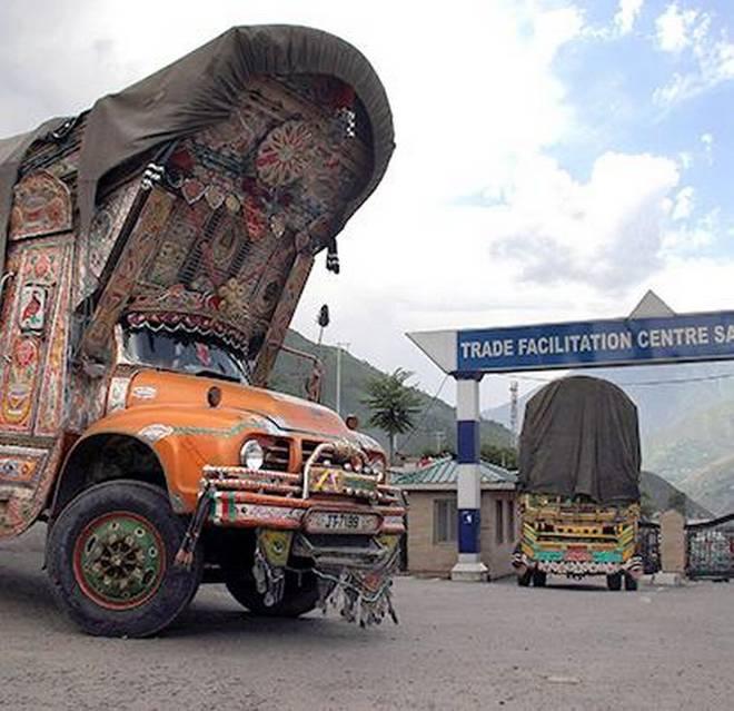 वस्तुओं का आदान-प्रदान: सीमा पार व्यापार की बहाली
